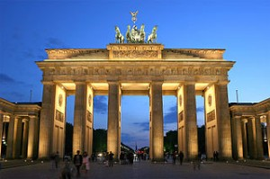 320px-Brandenburger_Tor_abends